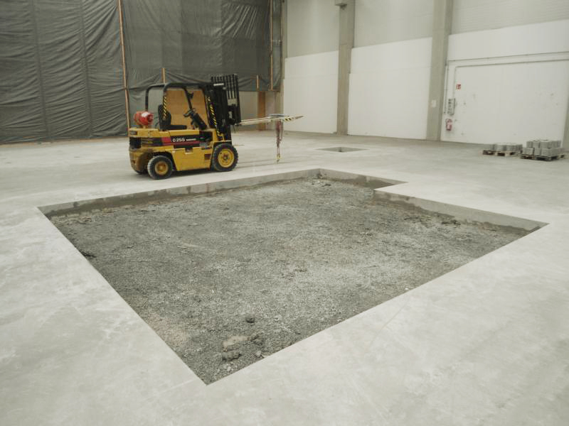 neue Fundamente einer Industriehalle